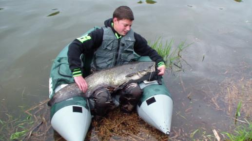 * Pêche du Silure, en Float - Tube
